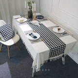 Classic black and white houndstooth cotton and linen table runners atmospheric black and white minimalist dining table flags hanging Sui cabinet cover cloth