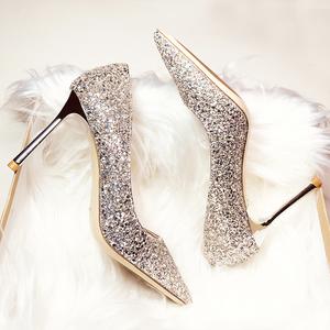婚鞋女2019新款尖头细跟高跟水晶鞋伴娘新娘银色亮片女结婚礼服鞋