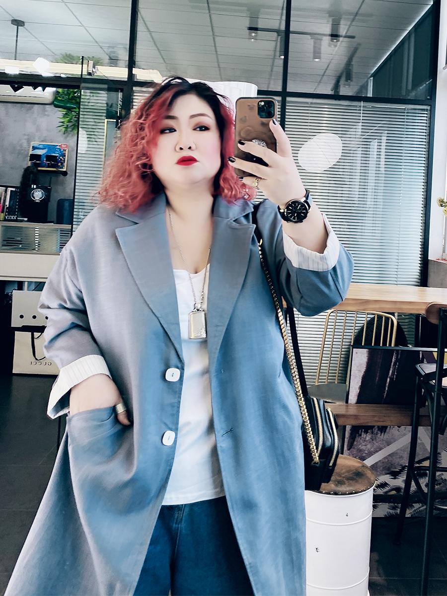 韩版大码女装洋气减龄200斤胖MM加大加肥宽松长版西服式外套