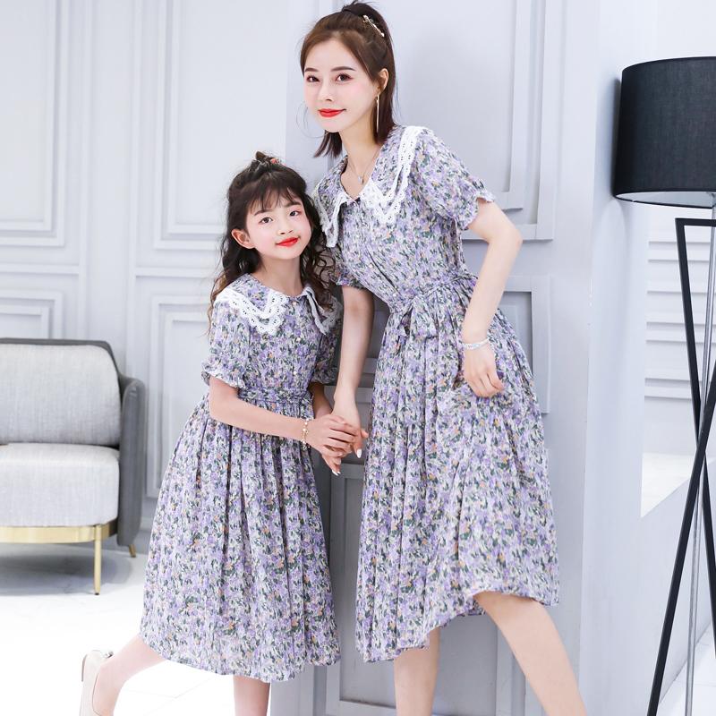亲子装母女夏洋气网红小清新娃娃领碎花连衣裙收腰显瘦气质新款
