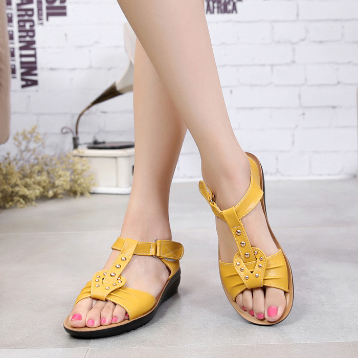 f6d73b8910ca0 Buy 2016 summer new sandals female student flat sandals casual slip  pregnant women with flat sandals open toe sandals child in Cheap Price on  m.alibaba.com