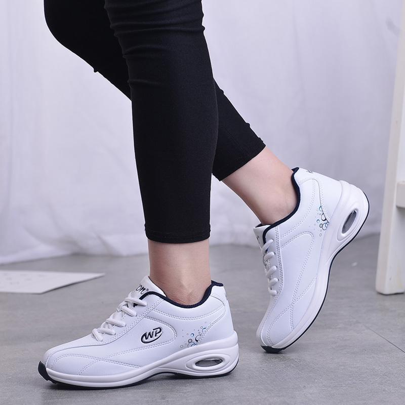 春秋皮面运动鞋女气垫跑步鞋女防滑软底鞋女旅游鞋女鞋波鞋