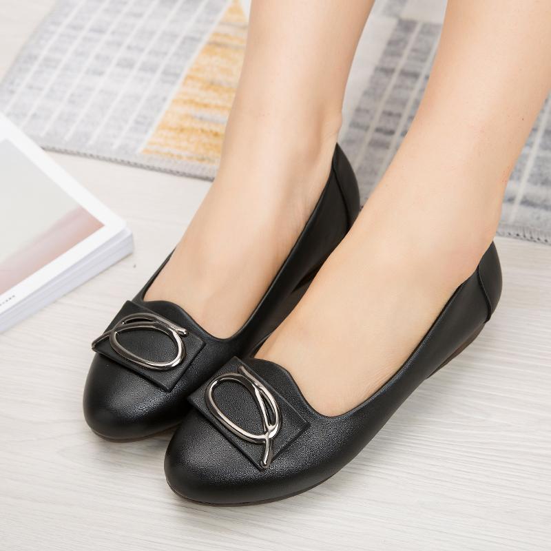 妈妈鞋单鞋春季瓢鞋平底软底休闲中老年女鞋浅口舒适中年女士皮鞋