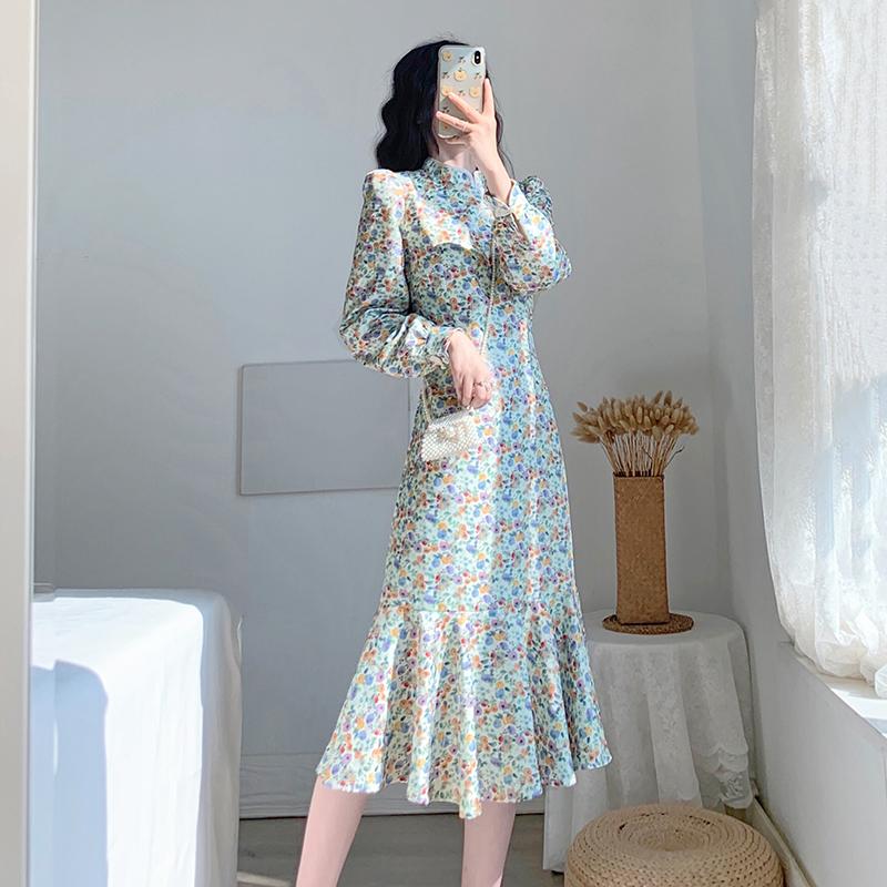秋装2021年新款女装裙子修身显瘦减龄轻奢名媛气质碎花鱼尾连衣裙