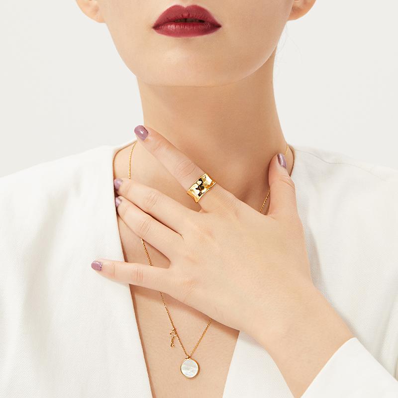 珍珠白母贝项链女锁骨链925纯银钥匙吊坠毛衣链长款18k金简约颈链