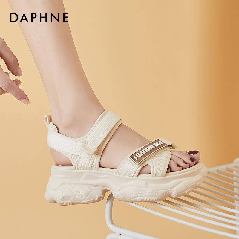 年新款女夏平底中跟小香风厚底松糕沙滩鞋 2021 达芙妮运动老爹凉鞋