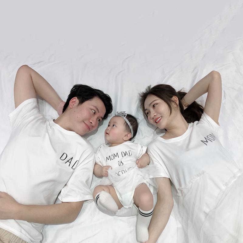 亲子装一家三口夏季母女连衣裙胖妈大码哺乳婴儿宝百天拍照全家福