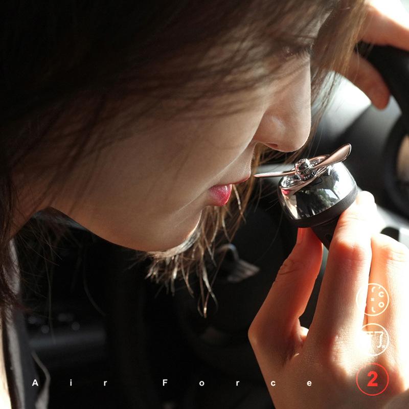 空军二号车载香水出风口风扇一号创意香薰汽车香氛摆件除异味装饰