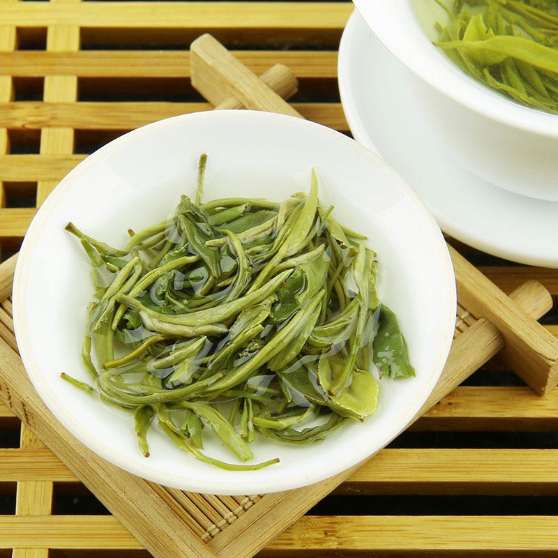 个月其它绿茶 1 清爽柔和 250G 雪芽早春嫩芽散装绿茶烘青绿茶卷形