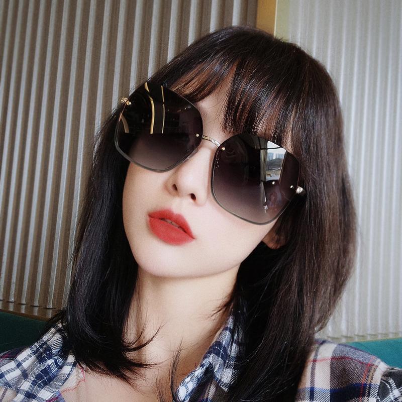 个性加厚挡风开车太阳镜女圆脸2020年新款时尚偏光镜开车