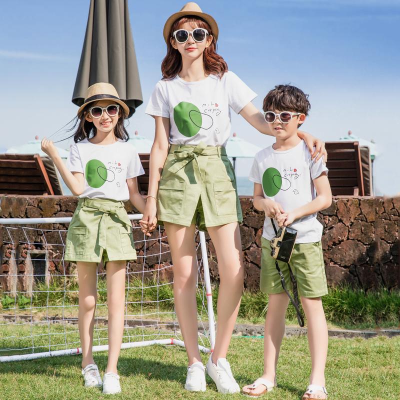 网红亲子装一家三口四口母子母女装 夏装全家福洋气拍照套装潮  2020
