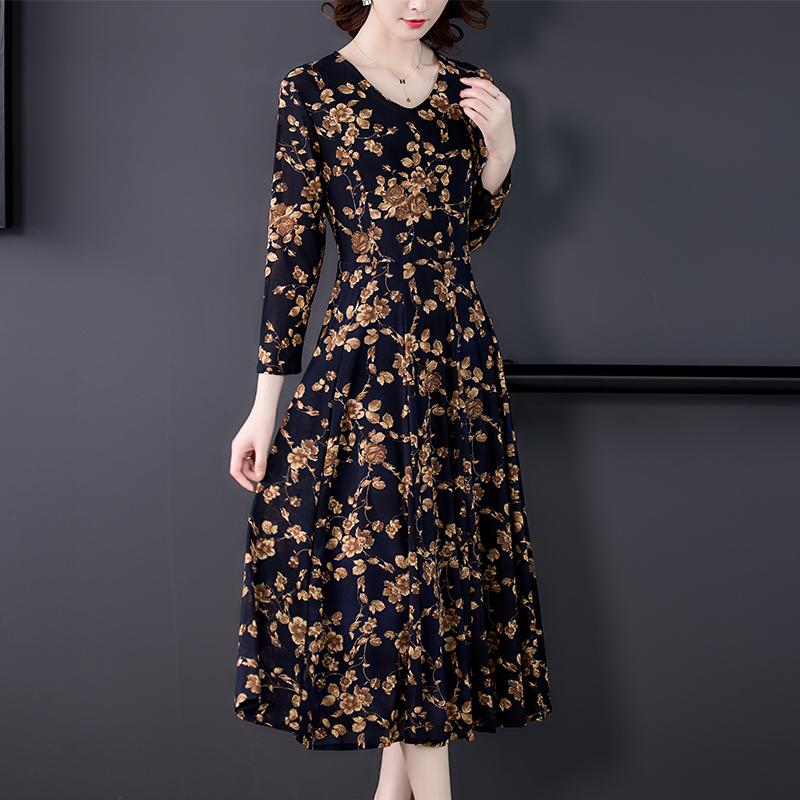 贵夫人连衣裙高端洋气质大码女装2021新款早秋季时尚减龄妈妈裙子
