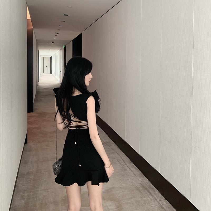 2021夏季新款荷叶边包臀鱼尾修身显瘦气质小黑裙子露背性感连衣裙