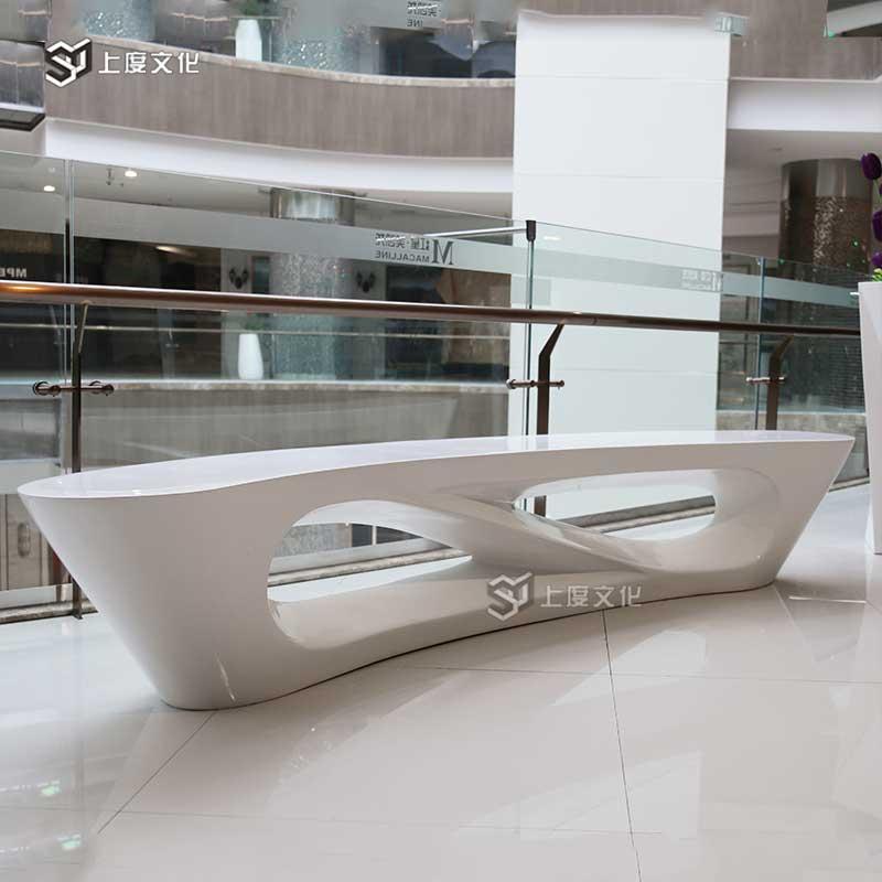 上度玻璃钢休闲座椅定制月亮形玻璃钢休闲椅商场创意座椅厂家直销