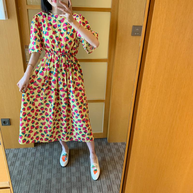◆张静芝韩国东大门 满满小红草莓高腰棉布韩版娃娃花苞长连衣裙