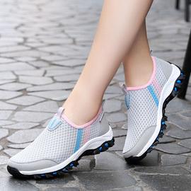 夏天老年人一脚蹬网面软底防滑网眼鞋女中年妈妈透气休闲运动网鞋