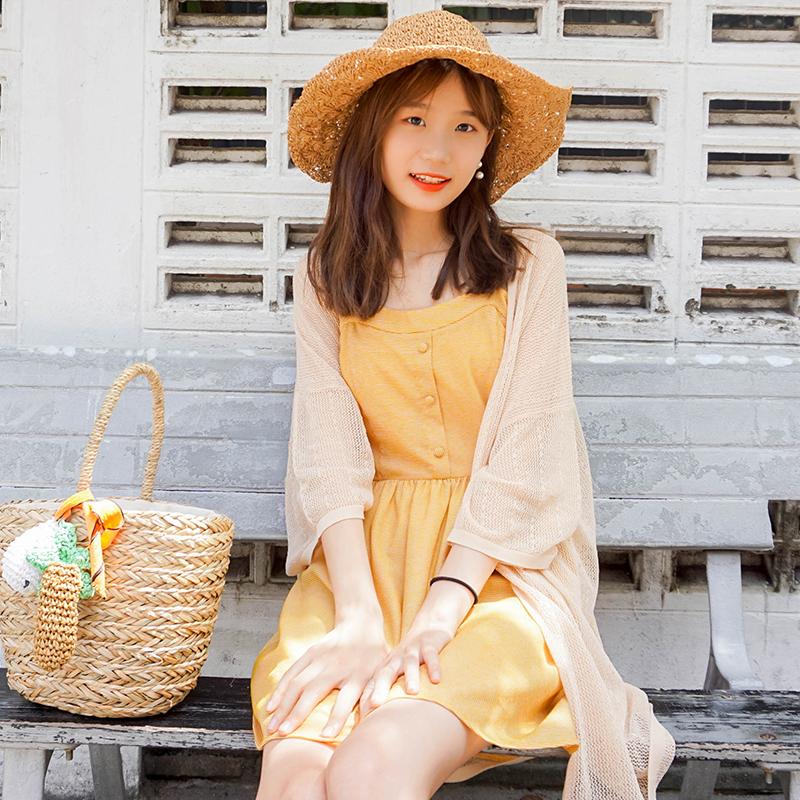 胡楚靓2019夏季裙子女显瘦淑女裙气质无袖小清新黄色吊带连衣裙
