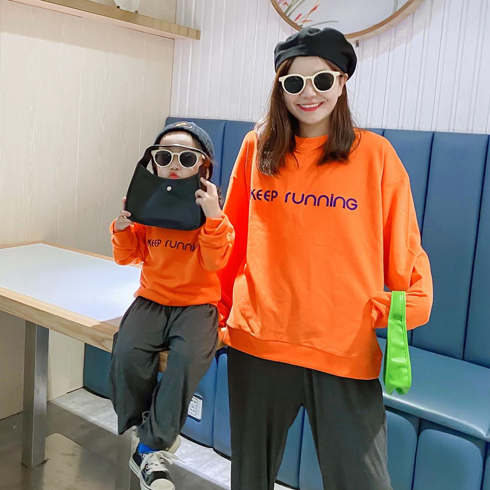新款潮春秋装橙色母女装韩版洋气字母长袖宽松卫衣  恤 T 亲子装 2020