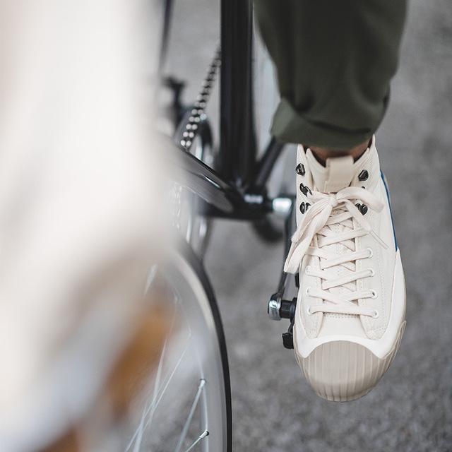 2020年流行鞋子白色高帮帆布鞋男夏季透气复古硫化鞋男休闲男鞋潮