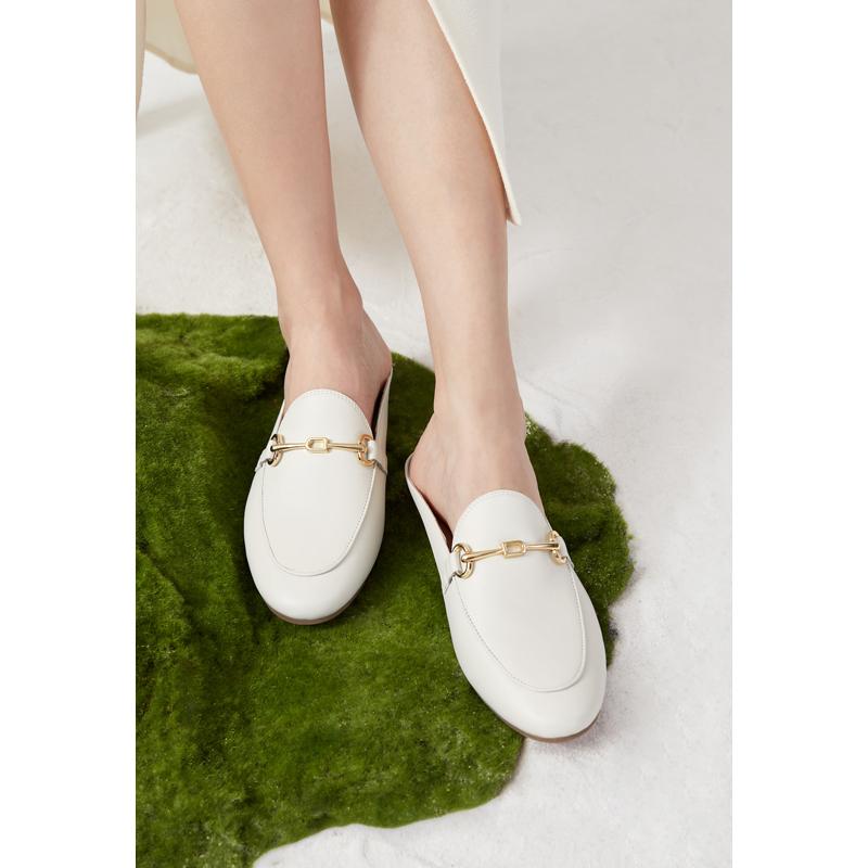 新款女士鞋子复古穆勒鞋 2021 千百度女鞋简约时尚低跟套脚单鞋
