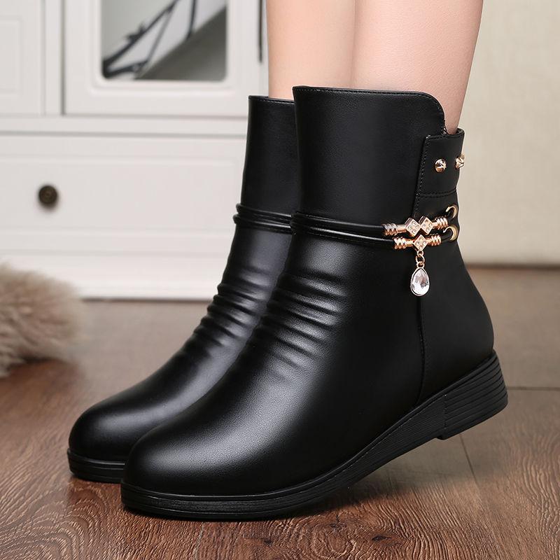 靴子女秋冬妈妈棉鞋靴子软底短靴加绒平底女士皮鞋保暖中老年女鞋