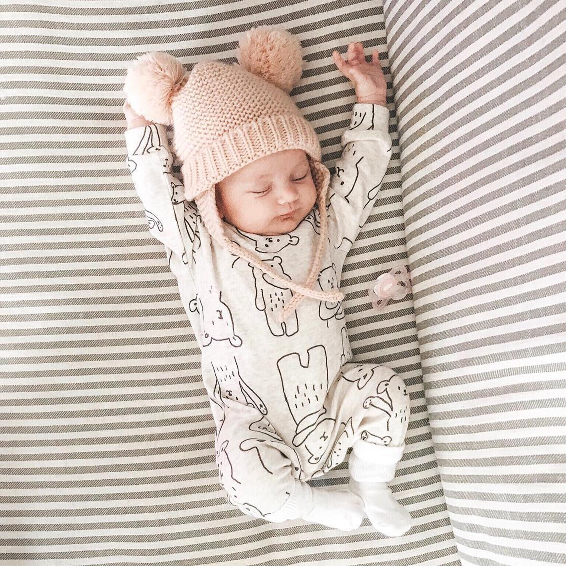 ins围巾小熊 宝宝纯棉保暖秋冬加厚连体衣婴儿外出长袖哈衣爬爬服