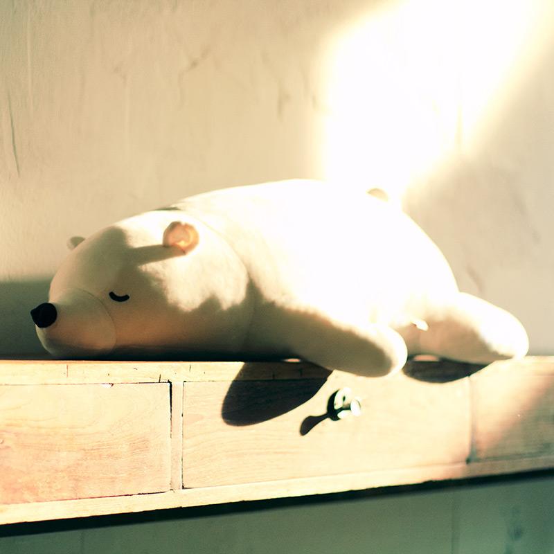 办公室靠垫生日礼物女生玩具玩偶公仔 毛绒车用抱抱熊 北极熊抱枕