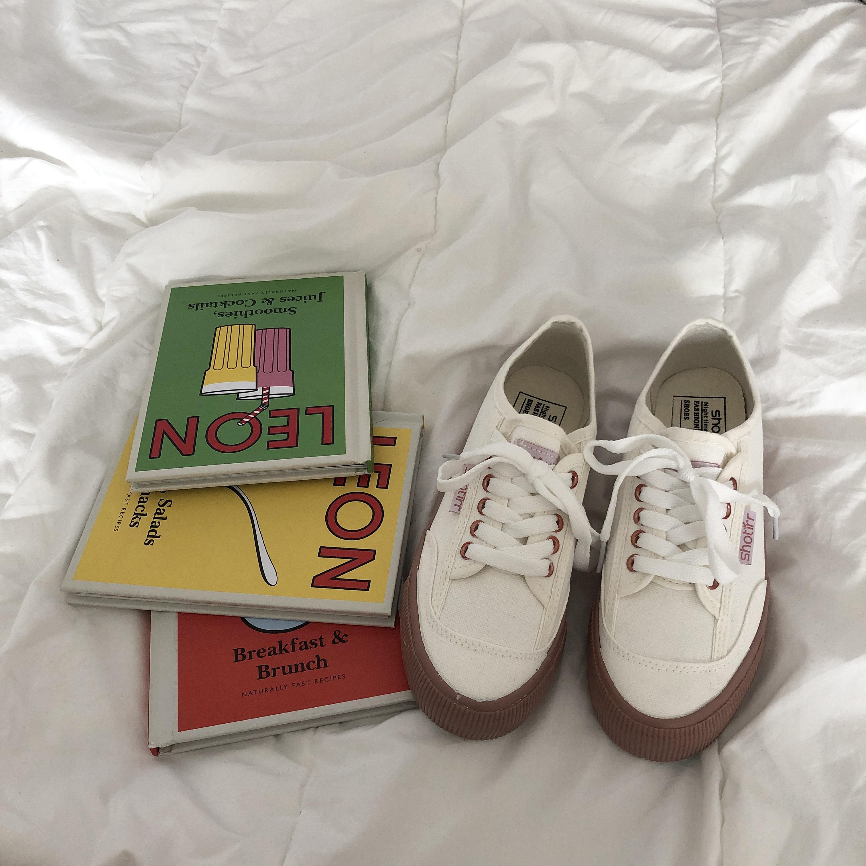 韩风鞋子小白鞋学院女帆布鞋 chic 原宿百搭板鞋 ins 新款 2018 许刘芒
