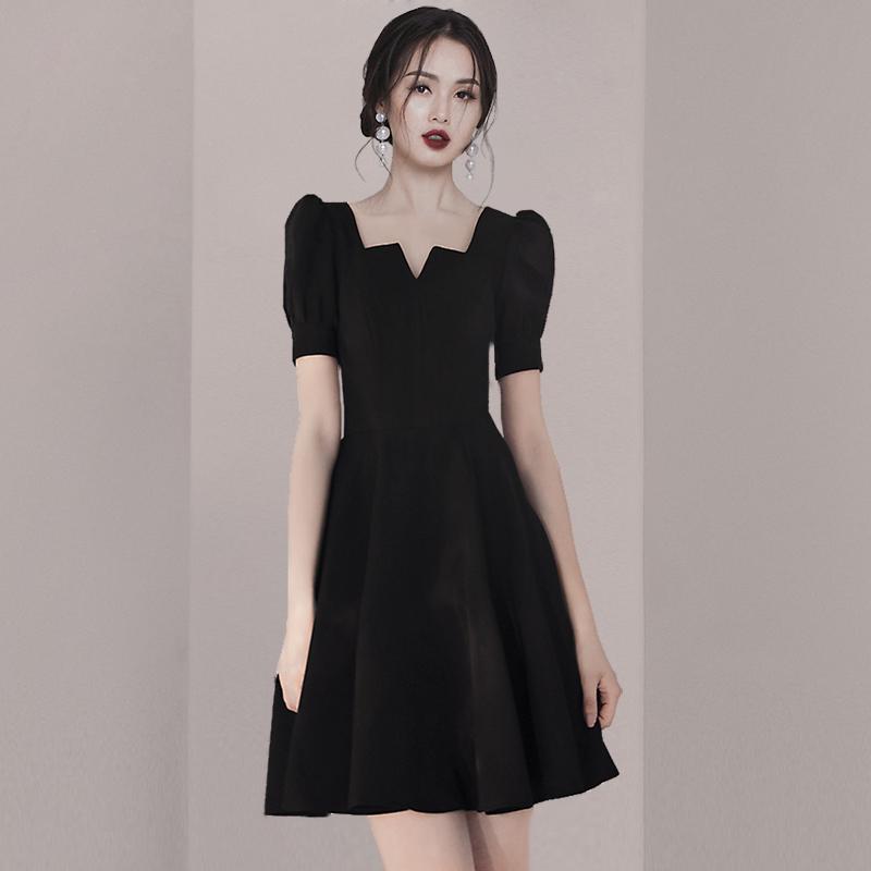 黑色小礼服女2021夏季新款赫本风平时可穿法式复古气质显瘦连衣裙