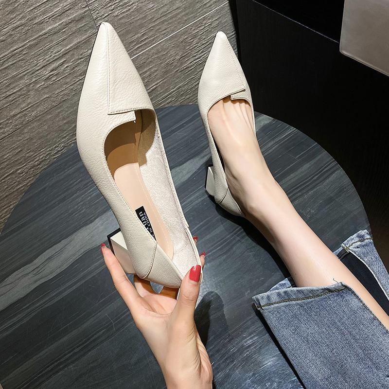 女鞋夏季单鞋女2020年新款气质中跟软皮浅口一脚蹬粗跟尖头高跟鞋