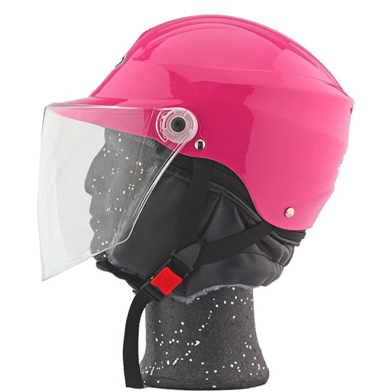 四季摩托车头盔电动助力车电瓶车安全帽男女防雾轻便反光尾灯个性