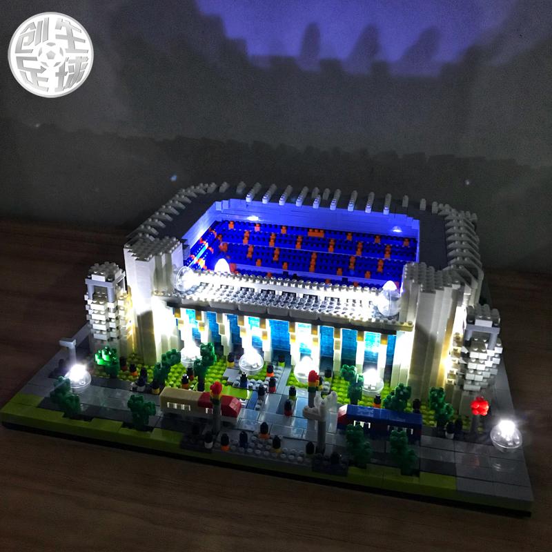 皇马球迷用品生日礼物伯纳乌球场模型摆件足球纪念品周边C罗公仔