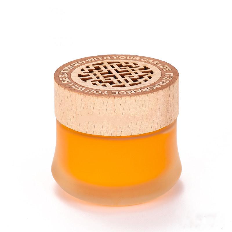 四季车载香水汽车固体香膏车内用品持久淡香氛清新剂装饰香薰摆件