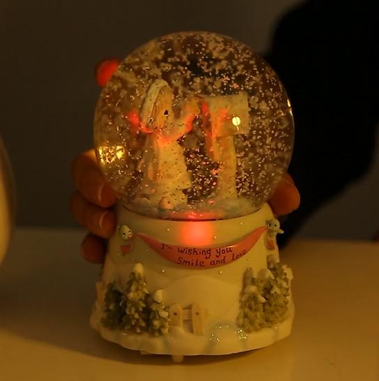 水晶球带灯旋转音乐盒八音盒创意生日礼物送儿童女孩儿童节情人节