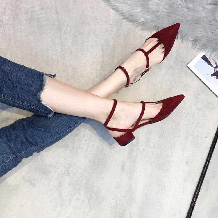 2019时尚江疏影同款显白红色平底显瘦粗跟女鞋绑带尖头单鞋