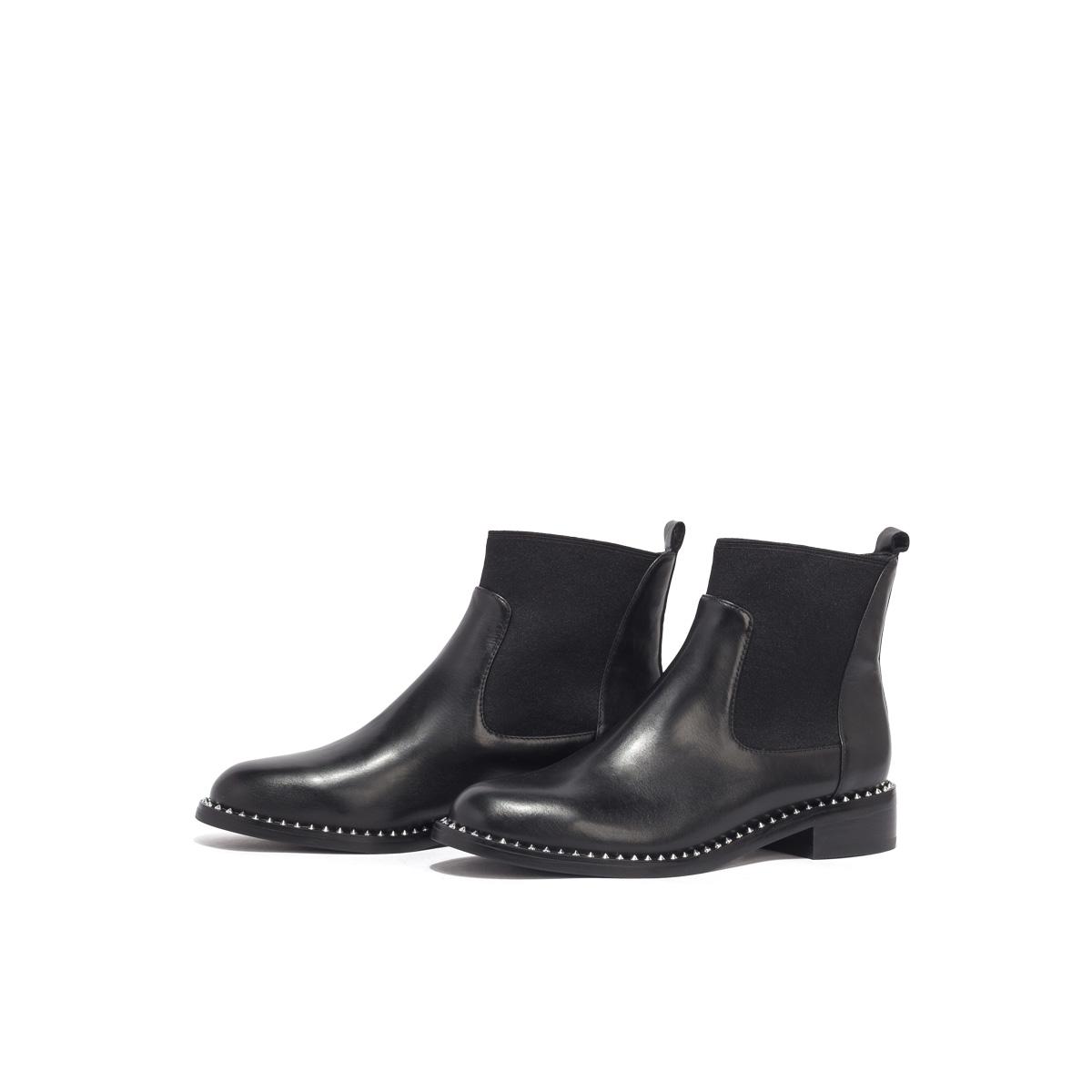 SS03116326 星期六英伦风切尔西靴女冬季新款铆钉圆头套脚短靴女靴