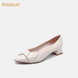 接吻猫2020春季新款简约蝴蝶结饰扣女鞋气质粗跟中跟尖头浅口单鞋