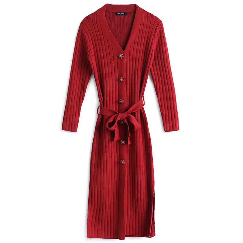 MIUCO大气V领坑条针织单排镶钻纽扣系带修身连衣裙女装2020春新款