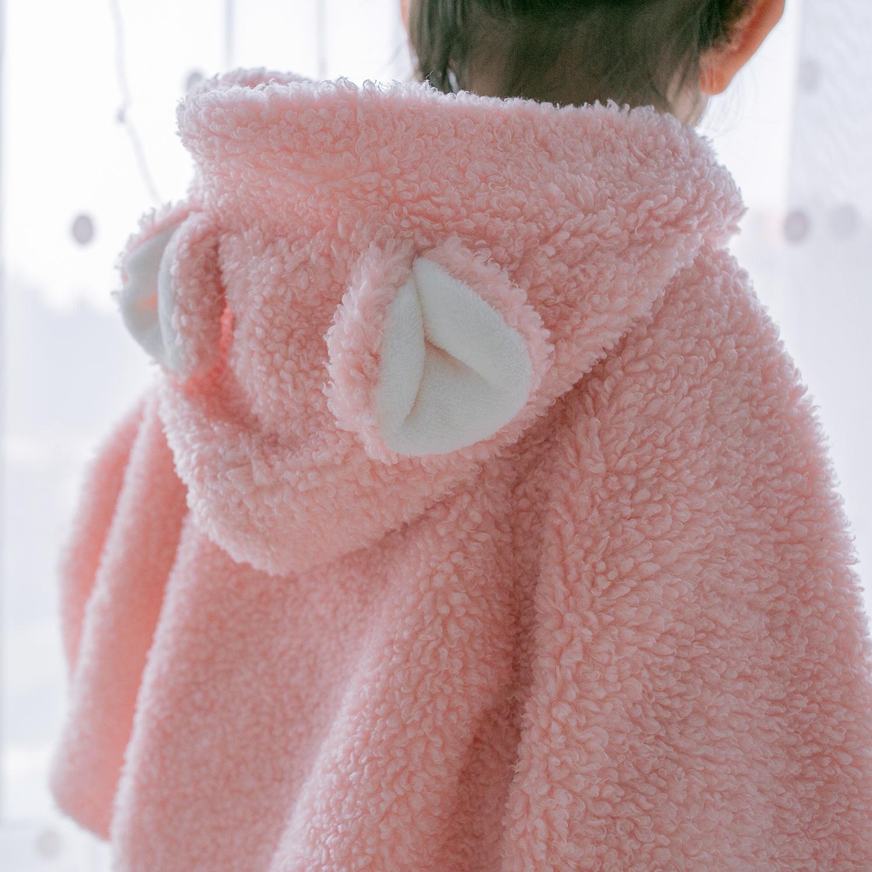 婴儿披风斗篷秋冬款女宝宝泰迪绒加厚披肩外套新生儿童外出服公主