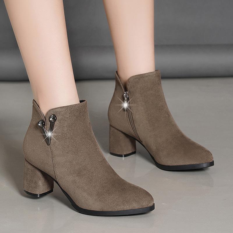 百丽纯爱真皮休闲磨砂皮女靴粗跟拉链翻皮防滑高跟女短靴尖头短筒