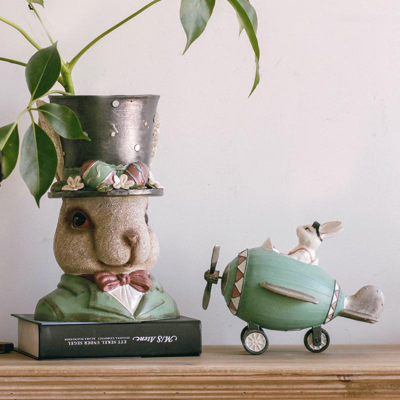 Rabbit开飞机的莱斯摆件,可爱创意家居好物推荐