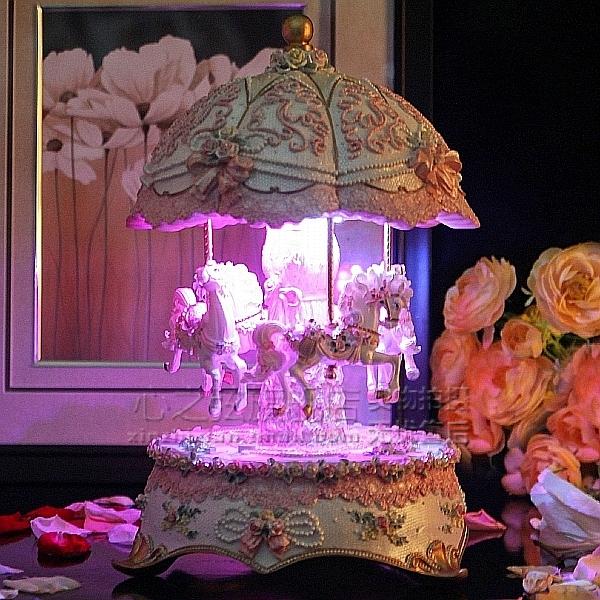 大款上下升降旋转木马音乐盒八音盒创意生日情人节礼物送女友女生