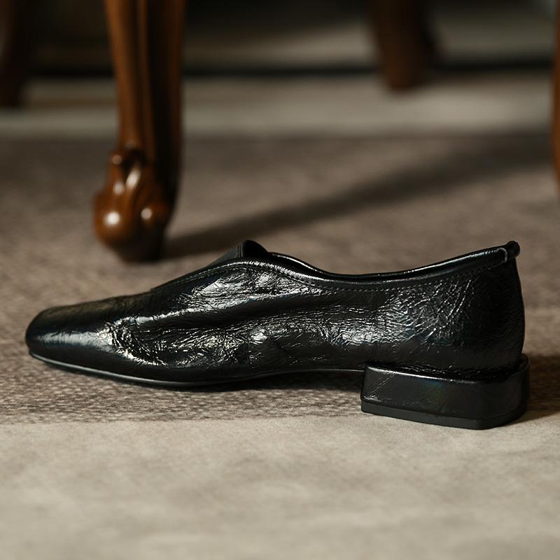 深口女鞋子平底鞋女幻彩黑单鞋女 低跟打皱牛皮小皮鞋方头 卡菲曼