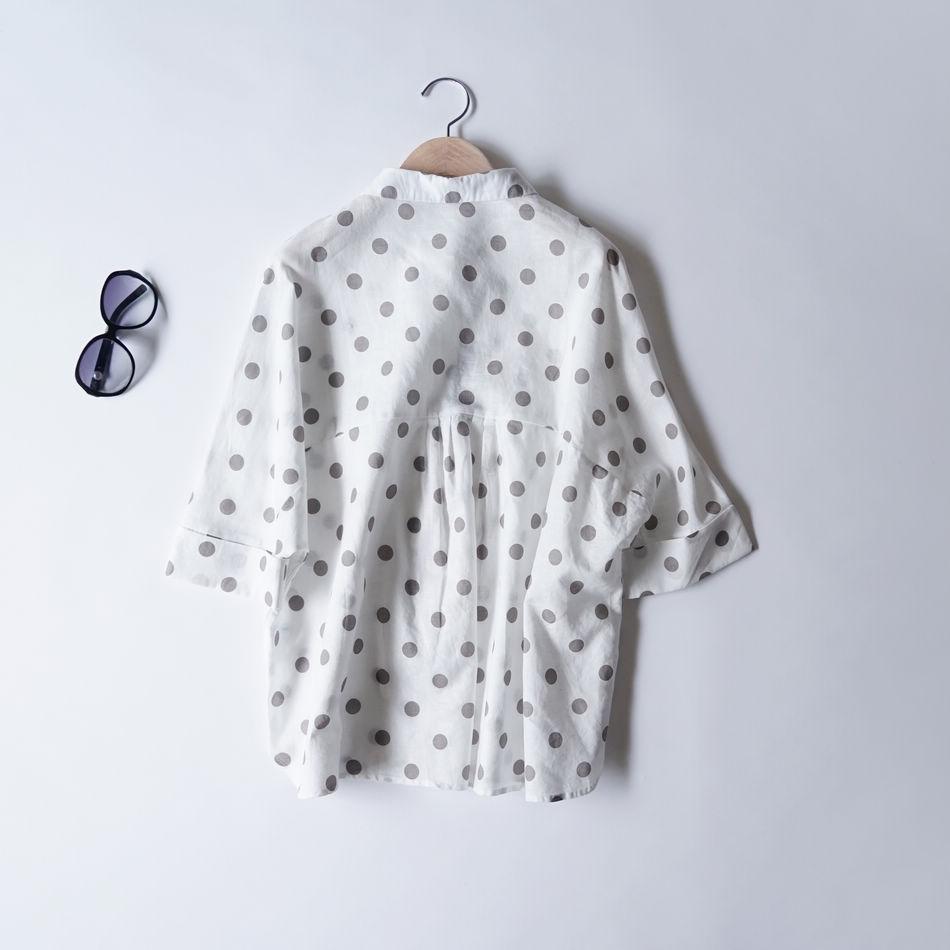 夏季新品 清新减龄文艺范 时尚波点蝙蝠袖宽松版棉麻衬衫罩衫女