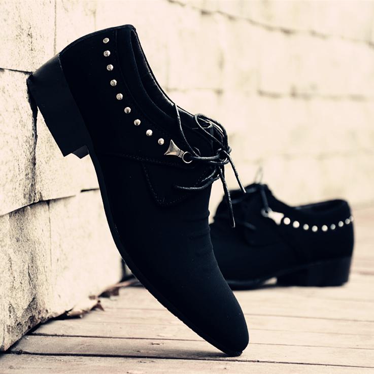 新款黑色磨砂尖头皮鞋男英伦个性青春潮流百搭
