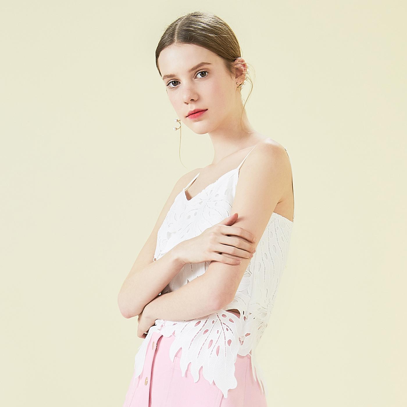 糖力2018夏新款白色钩花镂空蕾丝吊带衫V领修身短上衣女