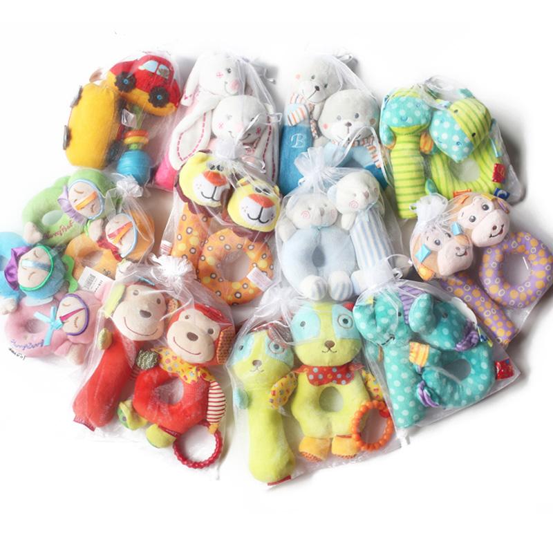 宝宝手摇铃铛套装安抚毛绒手拿玩具0-1岁新生婴儿抓握手抓棒
