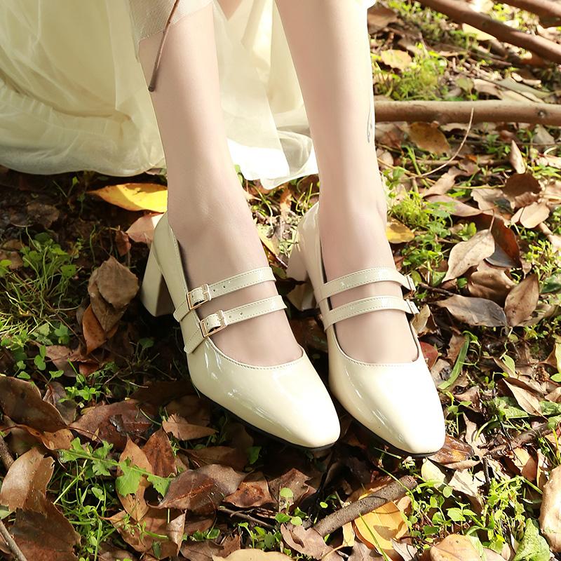 漆皮春秋文艺复古玛丽珍单鞋粗跟中跟一字扣带高跟方头皮鞋酒红女
