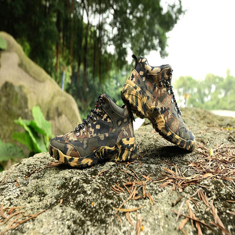 春季军靴男特种兵作战靴战术超轻防水沙漠户外中帮军迷正品登山鞋