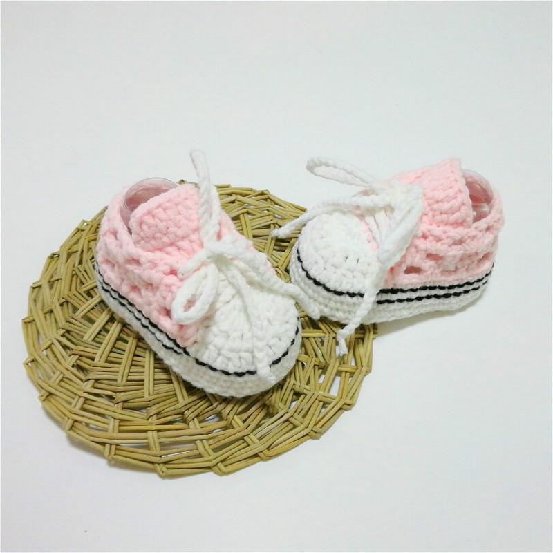 冬款纯手工编织婴儿毛线鞋手钩棉鞋宝宝系带软底百日满月创意礼物